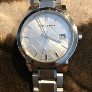 Burberry Watch. Authentic